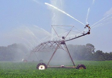 farmland in idaho being irrigated by a large system - Irrigation Systems